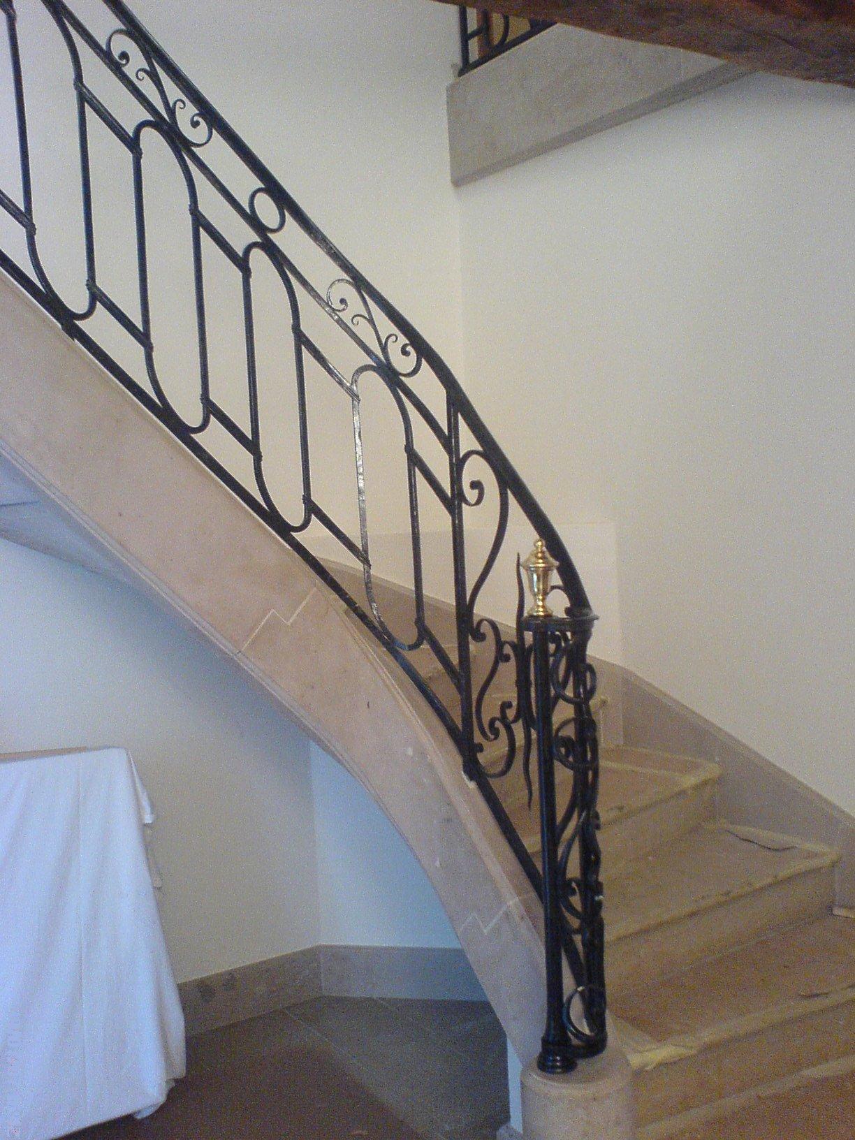 comment choisir une rampe d 39 escalier. Black Bedroom Furniture Sets. Home Design Ideas