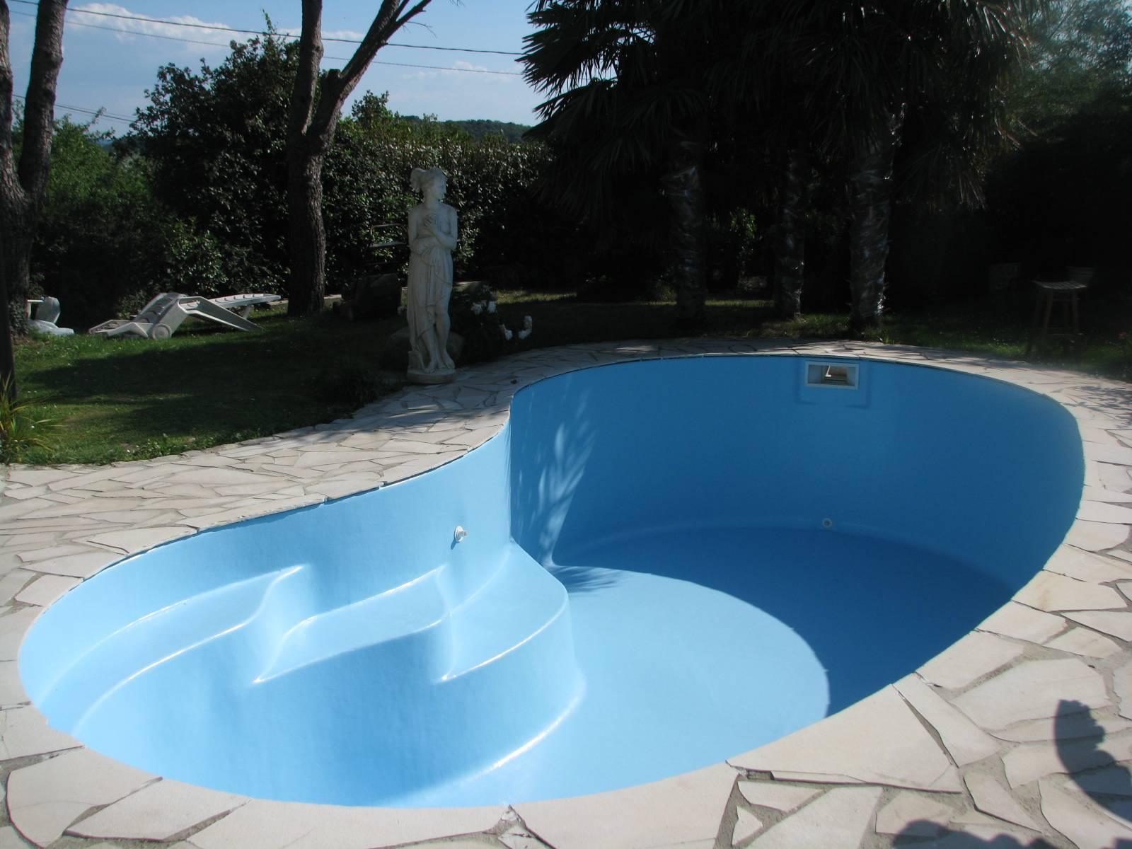 quel est le rev tement id al pour sa piscine le guide comparatif. Black Bedroom Furniture Sets. Home Design Ideas